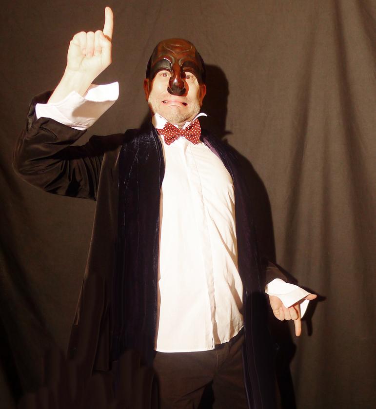 Howard Gayton as Il Dottore