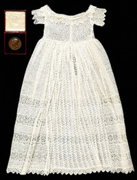 Babys_gown_19th_century_1